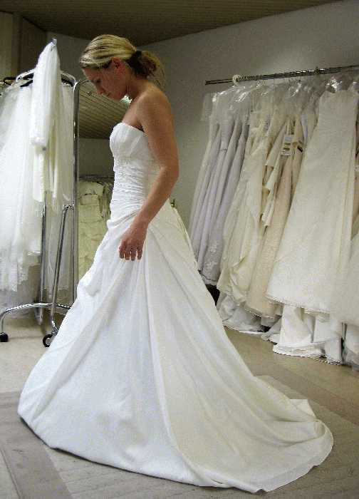 Region Olten/Aarau: gebrauchtes Brautkleid/Festkleid \